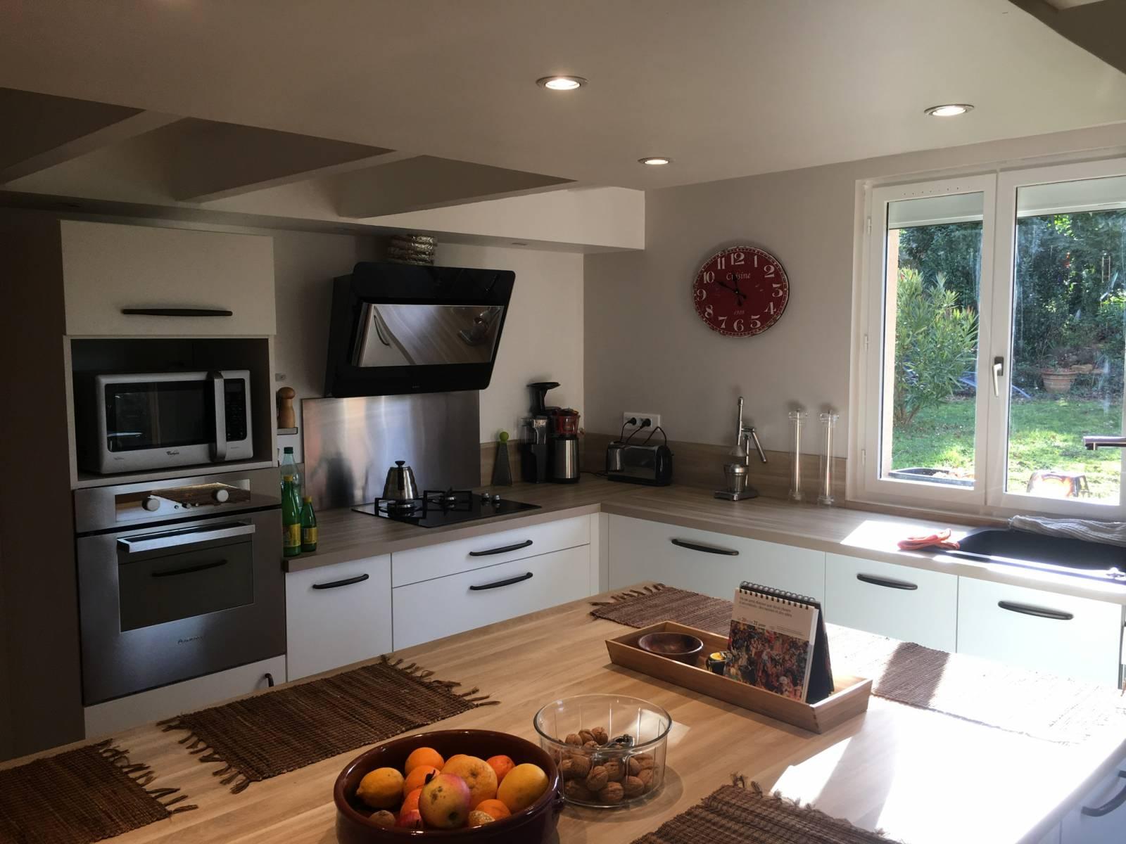 r alisation et am nagement de cuisine haut de gamme lyon schott cuisines. Black Bedroom Furniture Sets. Home Design Ideas