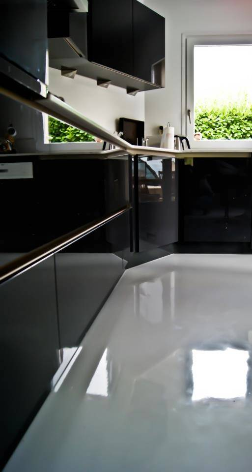 pose cuisine noire laqu e villeurbanne cuisiniste haut de gamme lyon am nagement cuisine. Black Bedroom Furniture Sets. Home Design Ideas