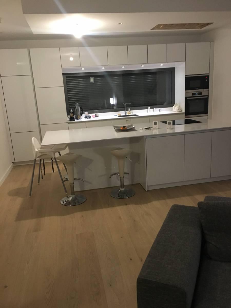 cuisine blanche laqu lyon 4 69004 cuisiniste haut de gamme lyon am nagement cuisine. Black Bedroom Furniture Sets. Home Design Ideas