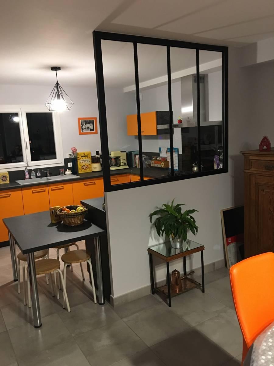 installation et pose d une cuisine orange brignais cuisiniste haut de gamme lyon. Black Bedroom Furniture Sets. Home Design Ideas