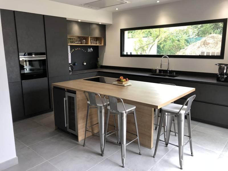 cuisine quip e moderne et design sans poign e lyon cuisiniste haut de gamme lyon. Black Bedroom Furniture Sets. Home Design Ideas